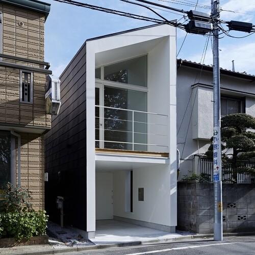 필요한 것만 남기고 생략한, 일본 미니멀리즘 협소주택
