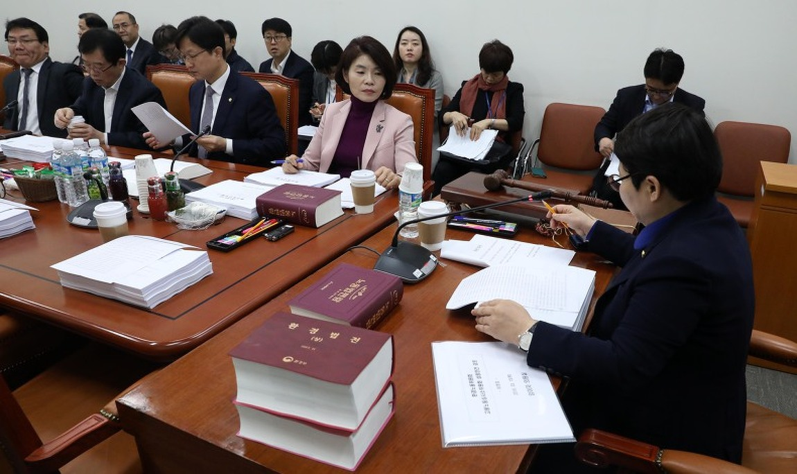 [매일노동뉴스] 고심하는 환노위원들, 최저임금 산입범위 운명은?