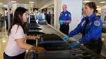 일부 미국 공항 검색 직원들의 지저분한 뒷이야기들!!