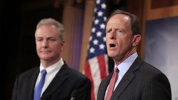 """미 상원 '북한 은행업무 제재법' 발의...""""개성공단 재개 반대"""" US Senators Propose Bill to Increase Financial Pressure on N. Korea"""