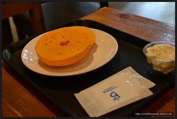 K.Min's의 까페베네 고덕역점 치즈 베이글