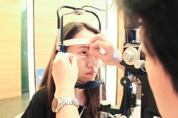 내 눈을 위한 안구건조증 예방법 알아보기 !