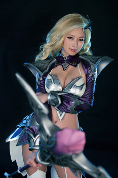 스파이럴캣츠, 정통파 MMORPG '어둠의 군주' 코스프레!