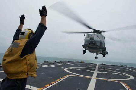 황천상황에서 헬리콥터의 놀라운 착함영상들