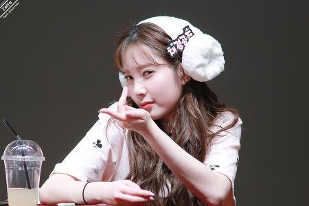 18.04.08 에이프릴 목동 팬싸인회 By. Zetta