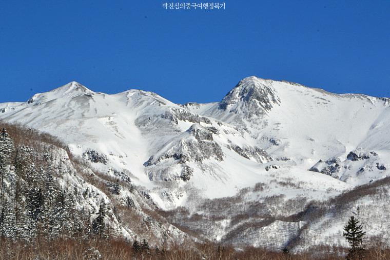 눈부시게 신비롭던 백두산(장백산) 천지의 설경 (서쪽 루트) (길림성 2-1호)