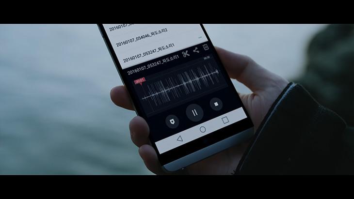 V20 고음질녹음, 그레이 ,GRAY ,이벤트 ,응모해보자,IT,IT 제품리뷰,스마트폰이 좋아져서 이제는 창작도 쉬워집니다. 음악을 좋아하는 분은 응모를 해보세요. V20 고음질녹음 그레이 GRAY 이벤트가 있네요. 이 스마트폰에는 고음질의 마이크가 3개가 내장되어 있습니다. 그리고 현존하는 가장 좋은 사운드 출력도 가능한 제품인데요. V20 고음질녹음을 이용해서 일상생활속의 사운드를 녹음해서 비트를 만들고 그것으로 음악도 만들 수 있습니다. 실제로 그런 영상이 있었는데요.