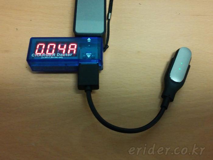 스마트폰 충전할때 충전전류가 궁금하다면 USB Charger Doctor 를 사용해보자