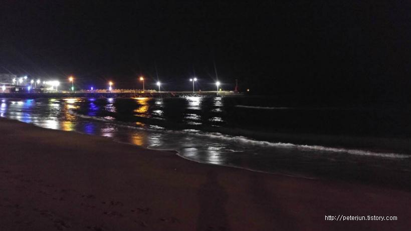 이호태우해변 밤바다