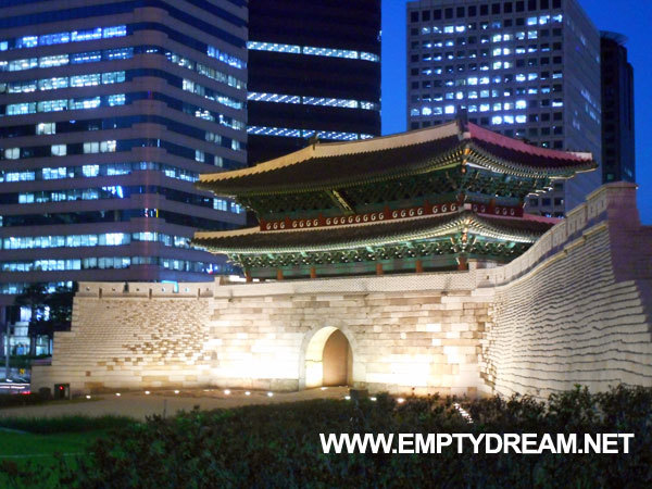 서울로 야행: 서울로 7017 야경을 볼 수 있는 도보관광코스