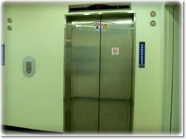 엘리베이터-에티켓-미담-추억