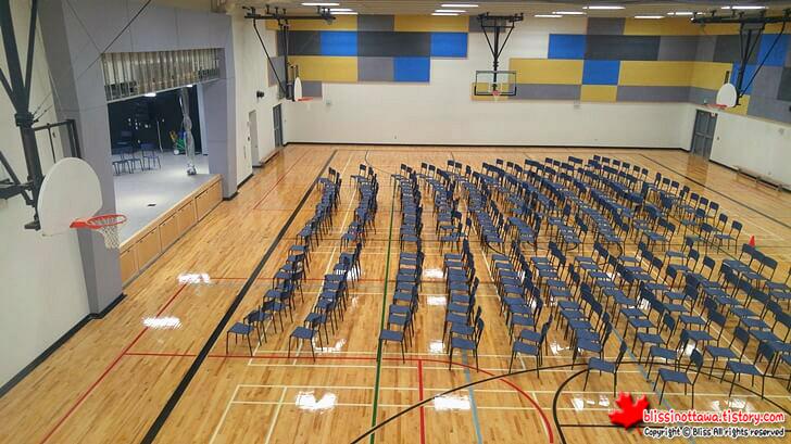 캐나다 학교 실내 체육관