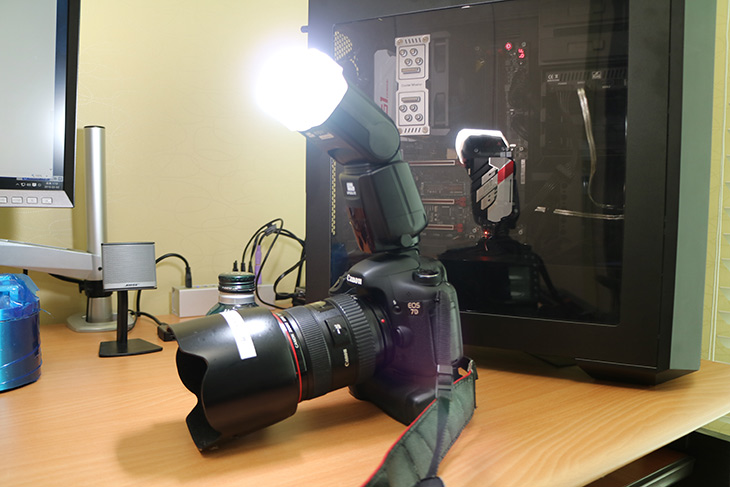 픽셀, X800C ,스탠다드, 케논, 스트로보, 활용기,IT,IT 제품리뷰,카메라,사진,스트로보,Canon EOS 7D와 M3를 사용 중 인데요. 같이 사용할만한 스트로보를 하나 소개합니다. 픽셀 X800C 스탠다드 캐논 스트로보 활용을 해 봤는데요. 기존에 사용하던 스트로보는 캐논 430EXII 인데요. 이것보다는 확실히 광량은 대단하네요. 픽셀 X800C 스탠다드 캐논 스트로보는 Pixel사에서 나온 고성능 스트로보 라인으로 매틴사에서 단독으로 수입하여 판매하는 제품 입니다. 외형만 봐선 엄청 고가일것 같은데 생각보다는 가격이 저렴합니다. 사실 이부분이 장점이기도 하구요.