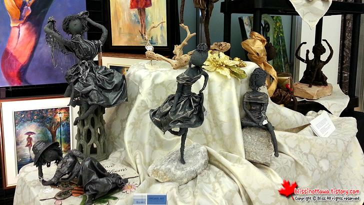 캐나다 오타와 핸드메이드 시장 ; 천과 털실로 만든 장식품
