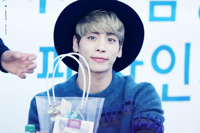 151122 Jonghyun @ 'Skeleton Flower' - Evento Fansign. 26244F415651C39E0DBE0F