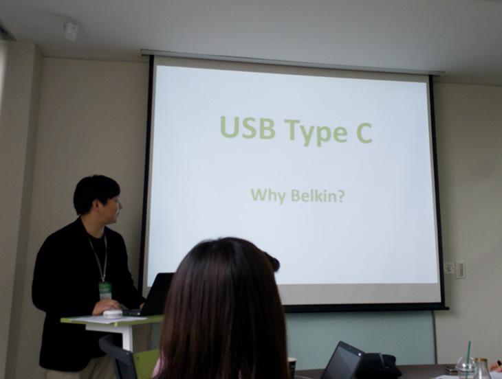 벨킨 ,Type-C ,기술력, InvisiGlass, 보호필름, 기계로, 붙이기,IT,IT 제품리뷰,이런 자리는 Belkin에서도 처음이었다는데요. 직접 참석해보고 많은것을 배웠습니다. 벨킨 Type-C 기술력 InvisiGlass 보호필름 기계로 붙이기에 대해서 알아볼 건데요. 저도 이미 잘 알고 있다고 생각했지만 기술은 날로진보하고 계속 좋아지고 있습니다 그리고 개발과 관련된 이야기를 들으면 더 많은것을 알 수 있죠. 벨킨 Type-C에 대한 이야기를 들으면서 벨킨이 기술투자에 얼마나 많은 공을 들이고 있는지 알게 되었는데요. 그리고 보호필름의 미래도 많이 바뀔것이라고 하는데요.