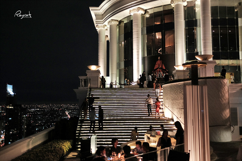 방콕의 밤을 품은 르부아앳스테이트 타워 루프탑바 시로코