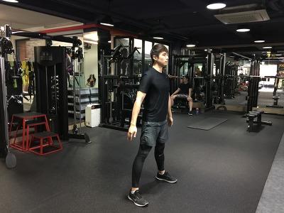 점핑 스쿼트-Jumping Squat
