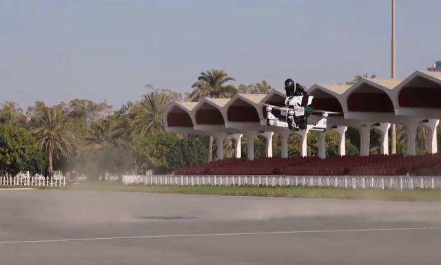 스타워즈에 나올 것 같은 호버바이크가 두바이 경찰에 실전 투입