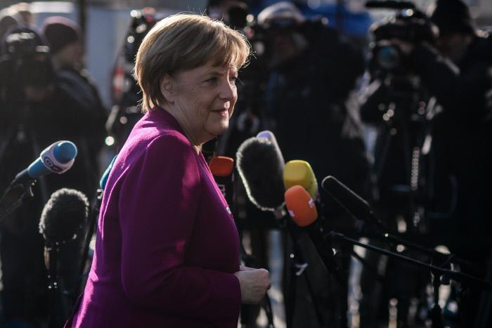 메르켈, 총선 후 4개월여 만에 사민당과 대연정 구성 합의