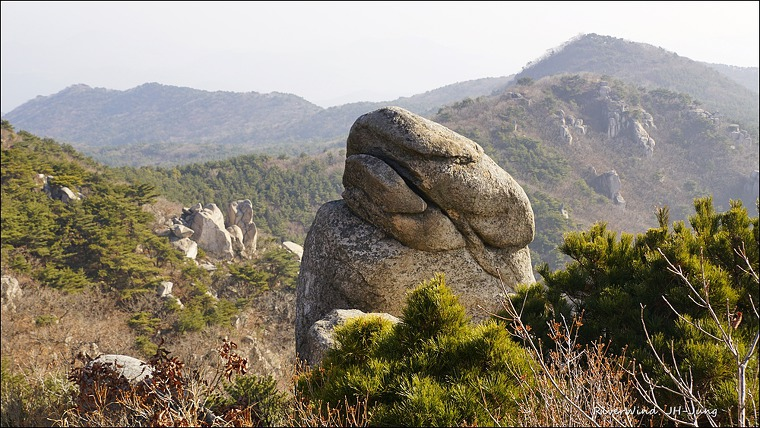 히안한 바위