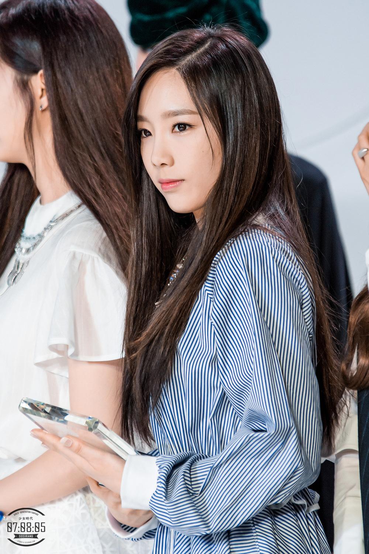 pann choa taeyeon who looks definitely better with dark